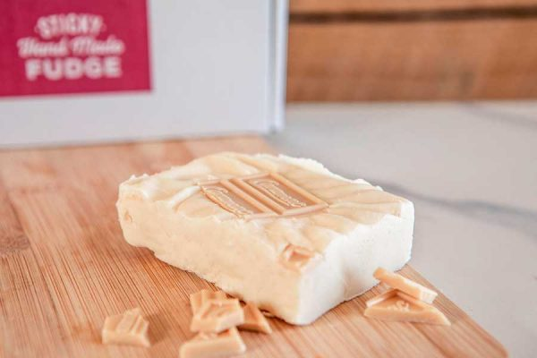 A flavoursome & creamy caramel white chocolate fudge with Caramac melted throughout